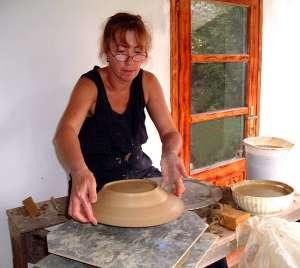 Cseh Magi fazekas, népi iparművész