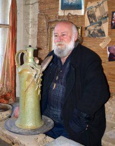 Veres Gyula keramikus iparművész