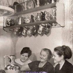 Badár Erzsébet mintakollekciójával