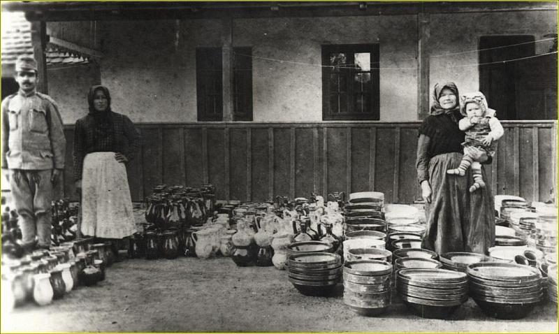 Fazekas család portája az 1910-es évek végén