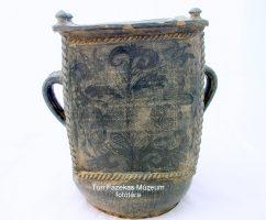 200 éves nagyméretű, korongozott feketekerámia gyertyamártó